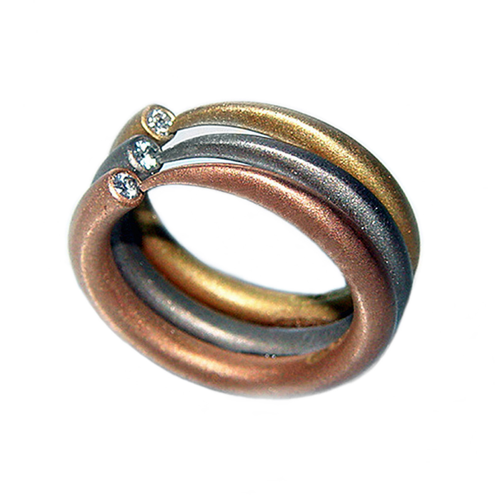Paul Finch Jewellery 18ct narrow wiggly ring with diamond