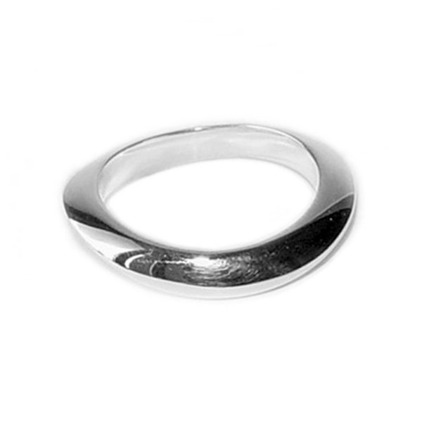 This unusual organic silver band complements the rings in the trap collection, or can be worn alone. It is comfortable and practical for everyday wear. The ring is approx 4mm wide and has a varying depth of 3.5-4mm. The ring is also available in 18ct yellow gold/ 18ct white gold - prices on request.