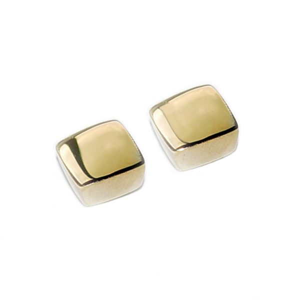 Square 18ct yellow gold studs. These solid silver earrings are practical, comfortable and therefore ideal for everyday wear. The approximate maximum dimensions are 6x6x3mm. They come in a satin or polished finish.