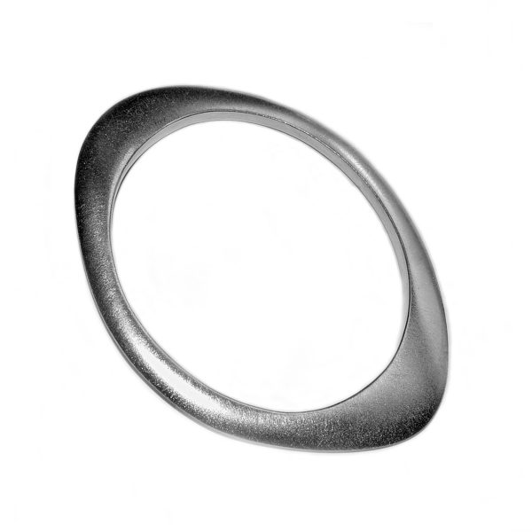 The organic silver shell bangle is an unusual solid silver bangle. The bangle has a beautiful pure shape. It is perfectly weighted with approximated maximum dimensions of width 5mm, and has a varying height of 6-14mm. This striking bangle is individually handmade to order and can be made in a range of sizes.