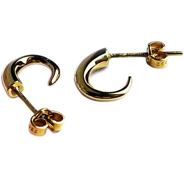 These 18ct yellow gold wiggly hoop earrings taper to a point from 4mm. They are approximately 13mm in height with a width of 4mm and depth of 10mm. The solid gold earrings come in a satin or polished finish. They are comfortable, practical and therefore perfect for everyday wear.