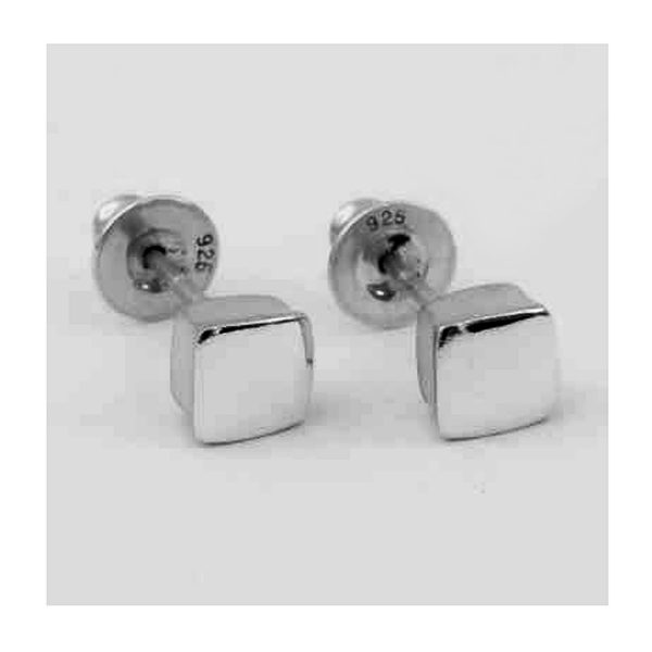 Square silver studs. These solid silver earrings are practical, comfortable and therefore ideal for everyday wear. The approximate maximum dimensions are 6x6x3mm. They come in a satin or polished finish.